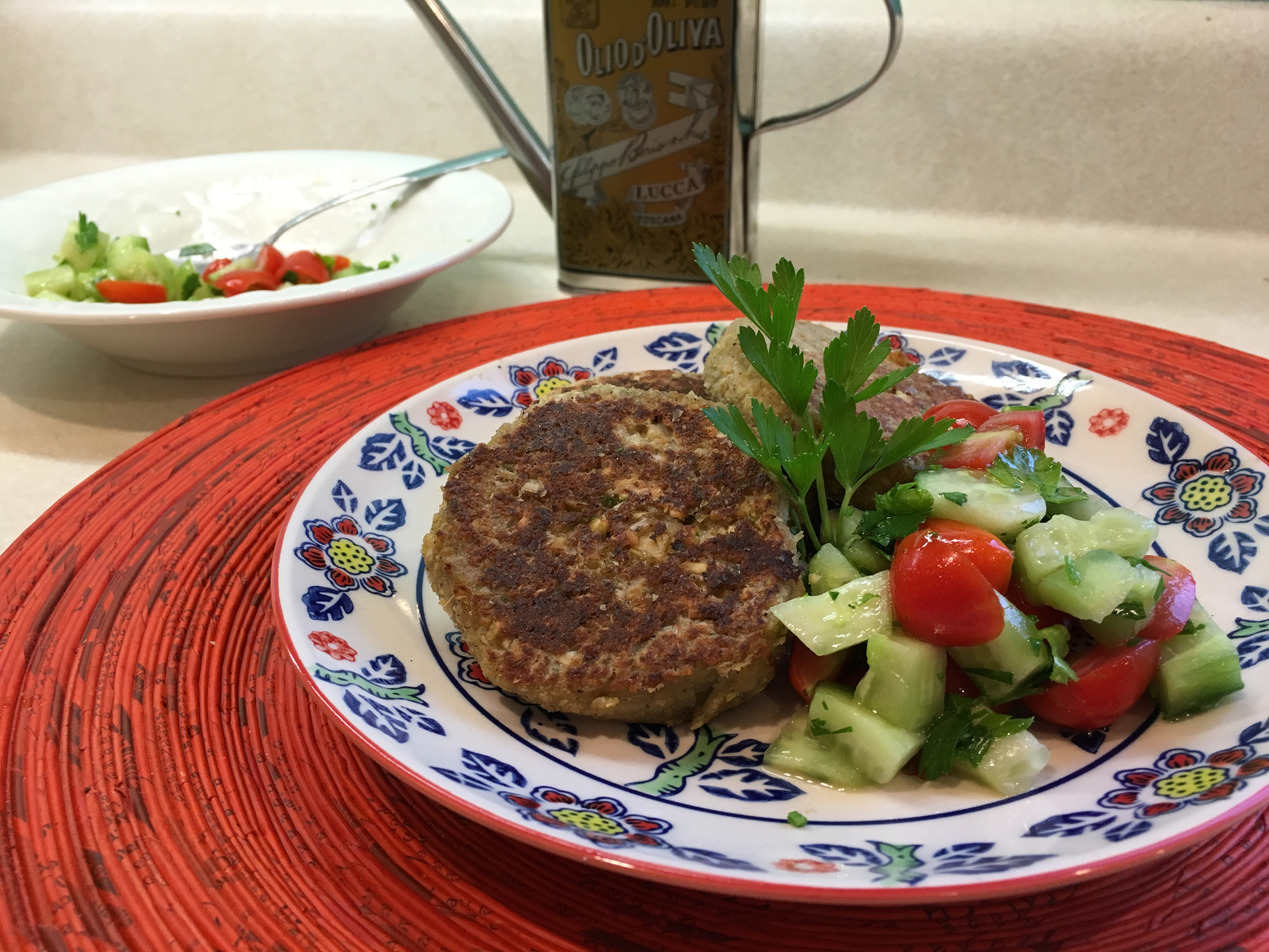 Falafel Burger and Cucumber Tomato Salad – Carolina Stefano